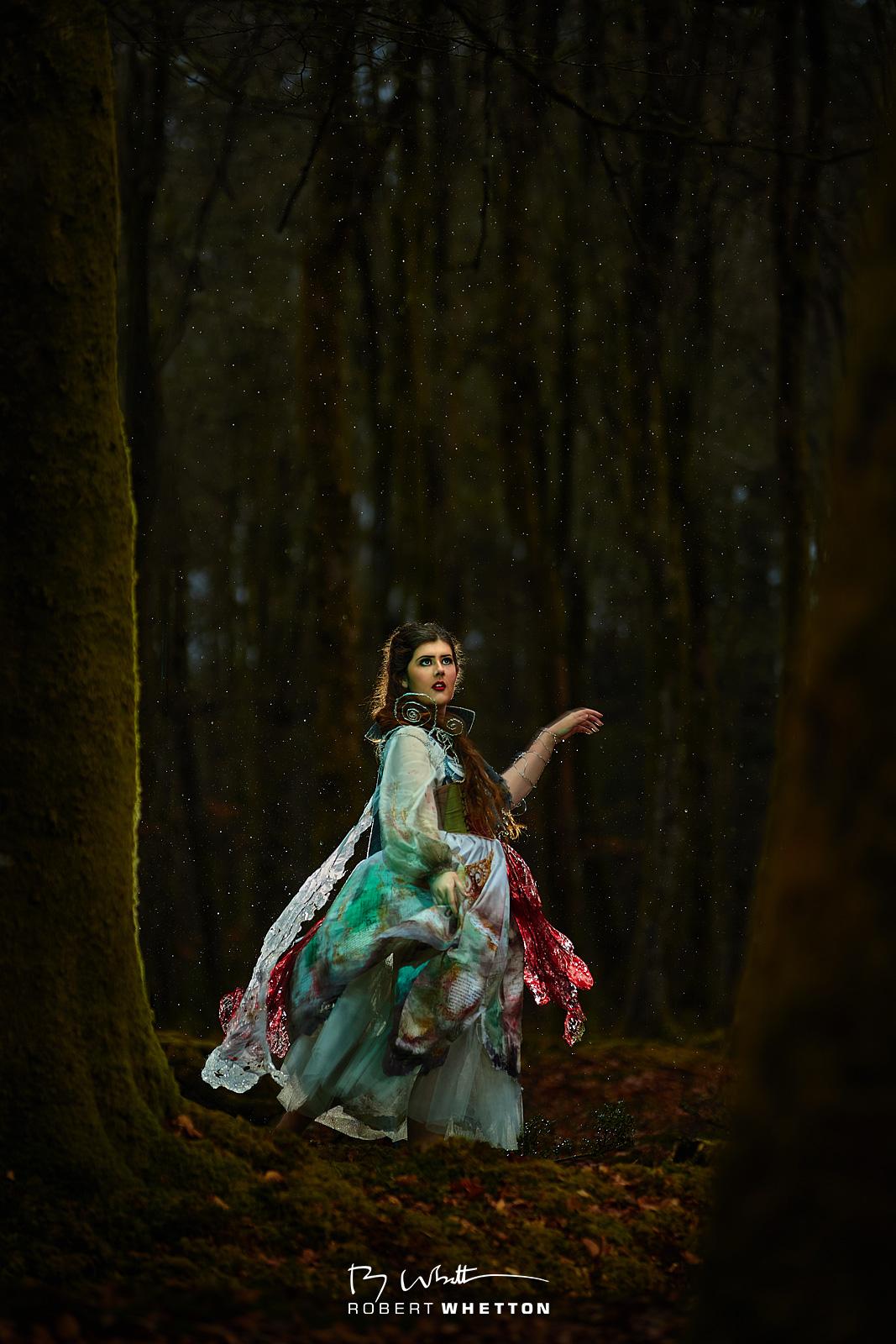 IMAGE: https://photographs.rjwhetton.co.uk/forums/05-V-Dress.jpg