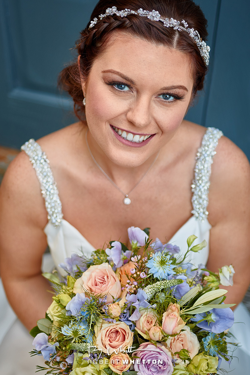 IMAGE: https://photographs.rjwhetton.co.uk/forums/Row-and-Jo-Wedding-Jun-20-171239-9724-7D-Mark-II.jpg